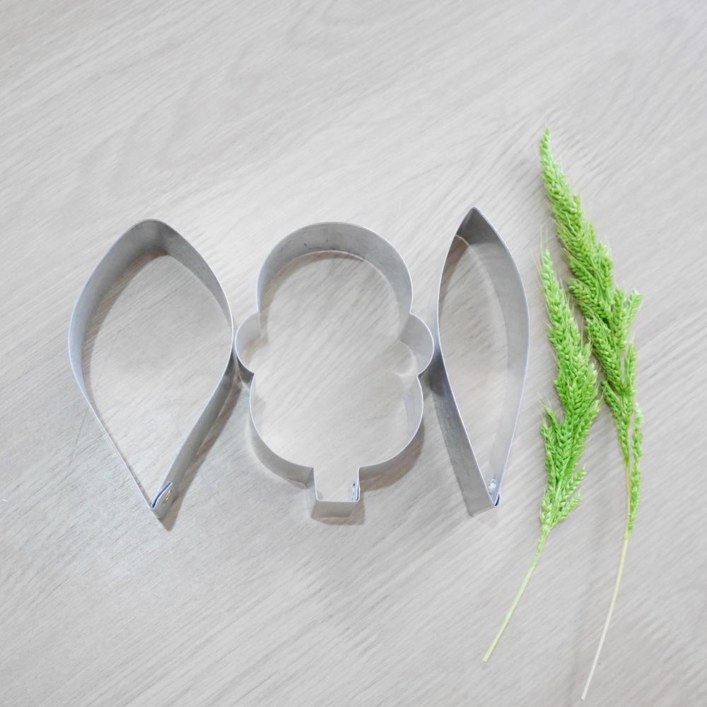 พิมพ์ตัด ดอกแคททลียาปากแตร (กลาง)
