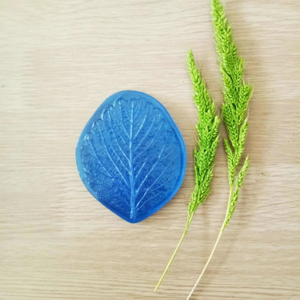 ลายเรซิ่น ใบสตรอเบอรี่ 2 (Strawberry leaf 2 mold)