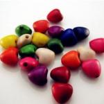 ลูกปัดหัวใจหิน คละสี / 50 เม็ด